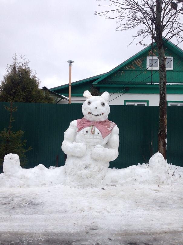 Ярославцы поделились фотографиями своих снеговиков в соцсетях
