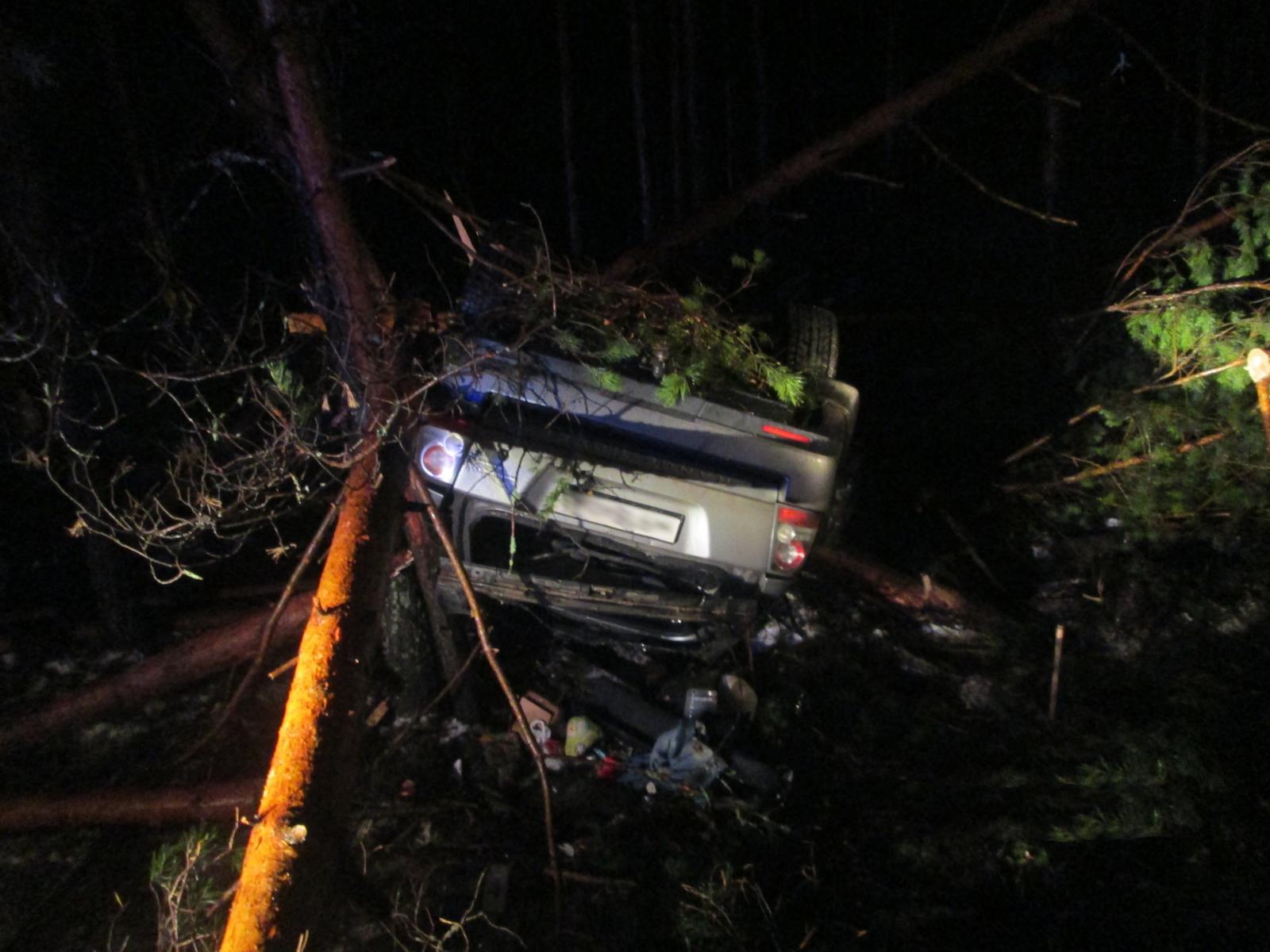 Под Ярославлем пьяный водитель «Ленд Ровера» перевернулся в кювет: погиб пассажир