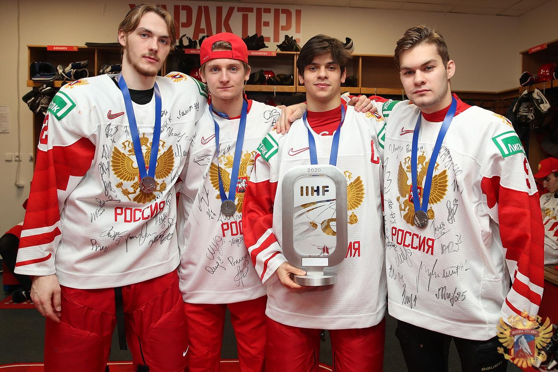 Четыре ярославца стали серебряными призерами молодежного чемпионата мира по хоккею
