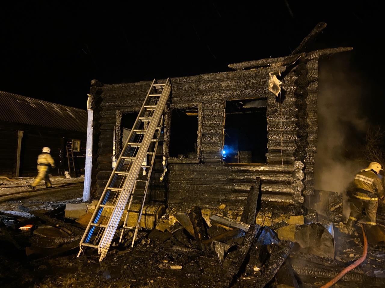 Трое детей погибли в страшном пожаре в Ярославской области
