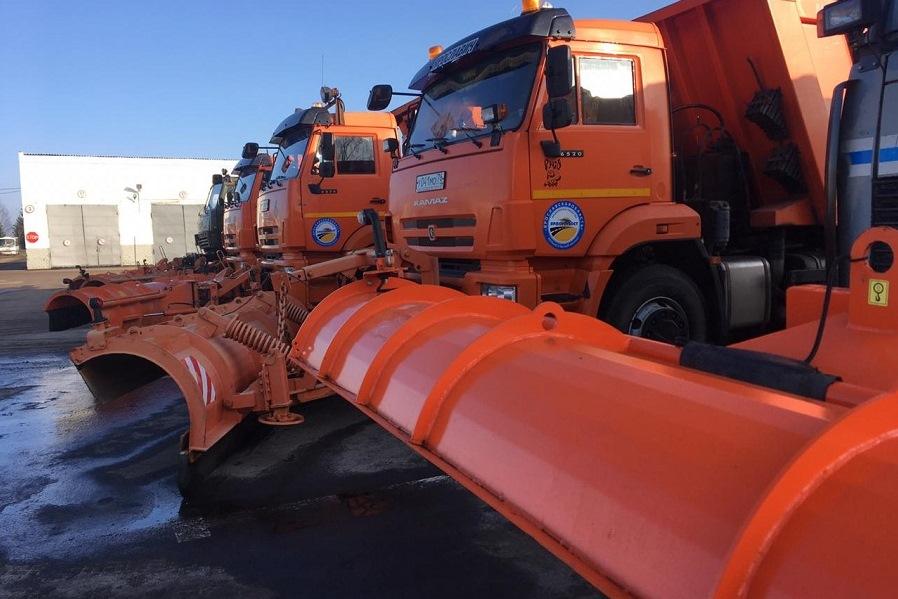 Дороги Ярославской области в новогодние праздники убирали около 500 единиц техники