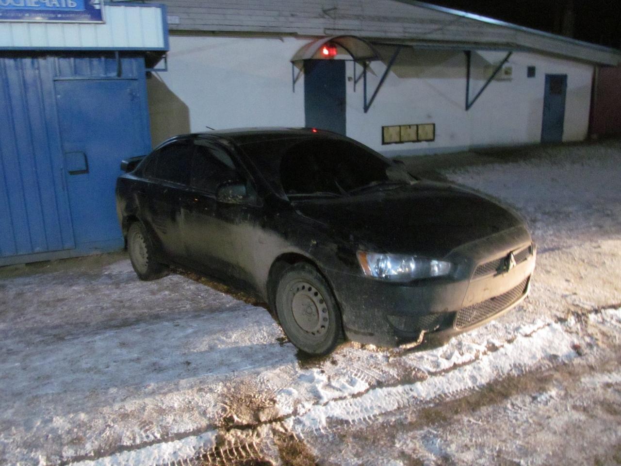 В Ярославской области пьяный водитель сбил гаишника и протащил по земле
