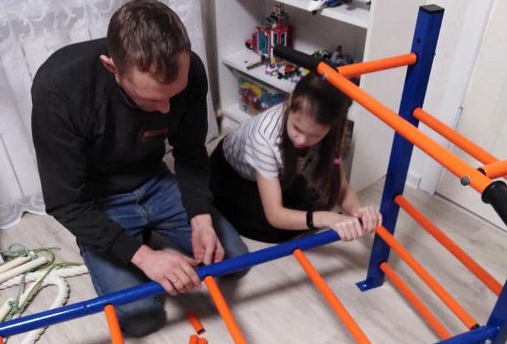 Дмитрий Миронов исполнил мечту девочки из Тутаева с помощью «Елки желаний»