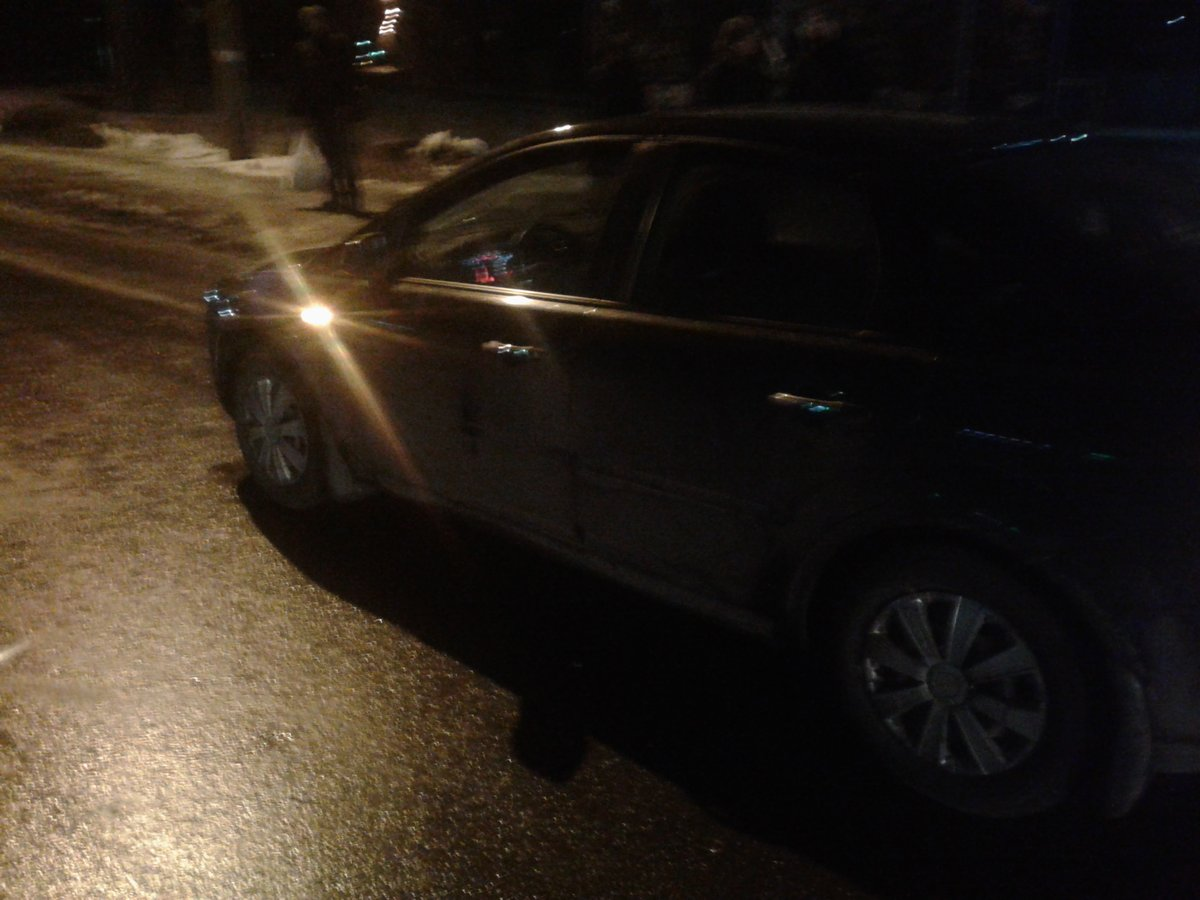 В Рыбинске парень на иномарке на «зебре» сбил двух пешеходов