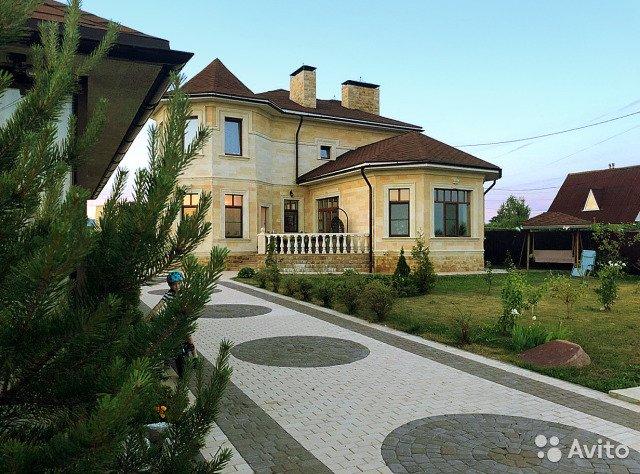 Бассейн, сауна, спортзал и бильярд: топ-5 самых дорогих особняков, которые продают в Ярославской области