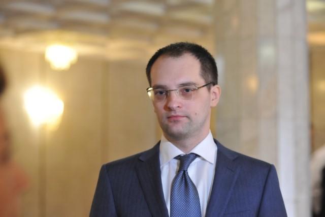 Роман Колесов: более 6600 педагогов в Ярославской области получат надбавку к зарплате