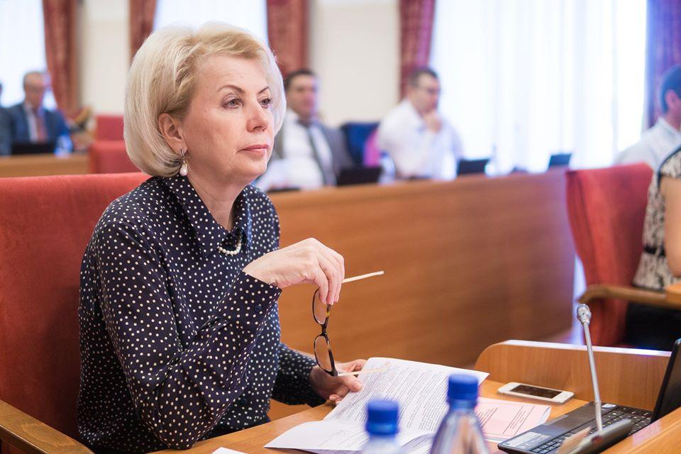 Лариса Ушакова: за предложенными президентом мерами соцподдержки стоит забота о каждой отдельно взятой семье