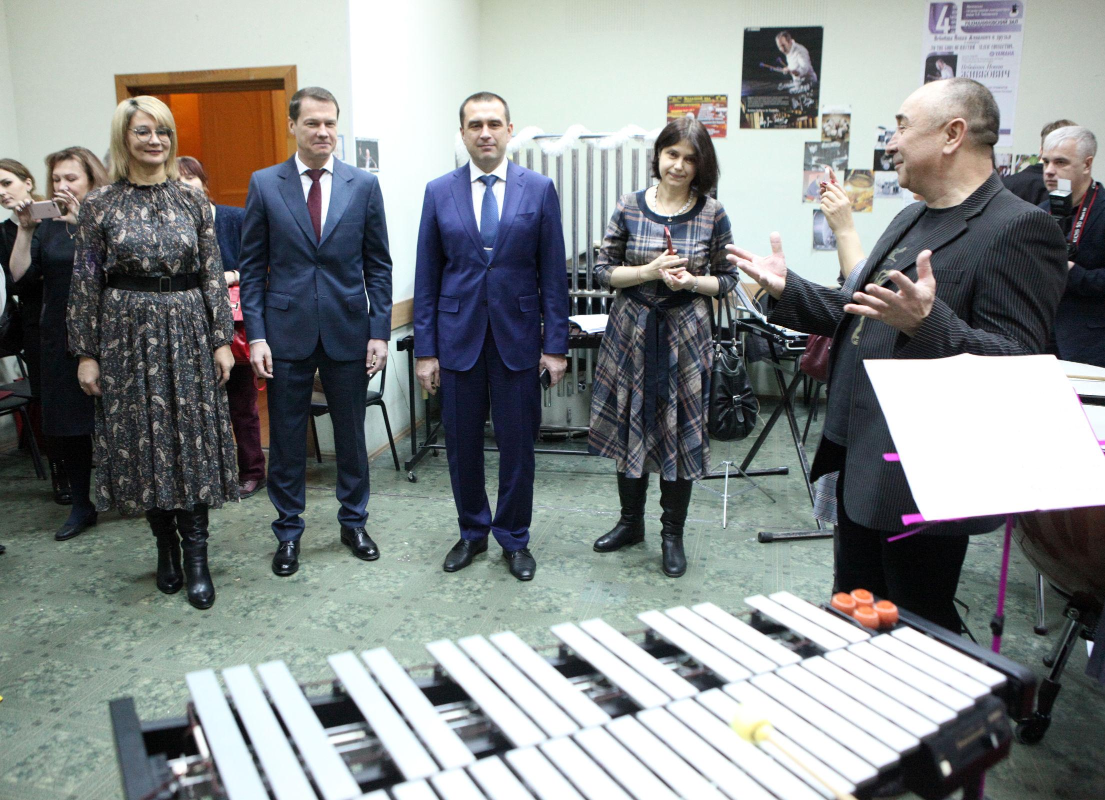 Ярославскому музыкальному училищу подарили новые инструменты и современное звуковое оборудование