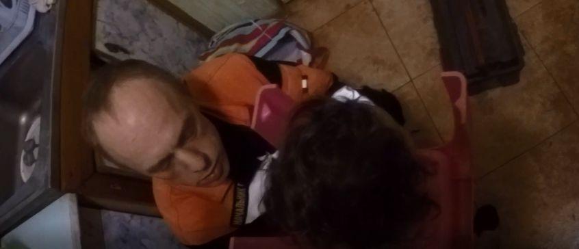 В Ярославле девочку выручали спасатели: малышка надела на голову горшок