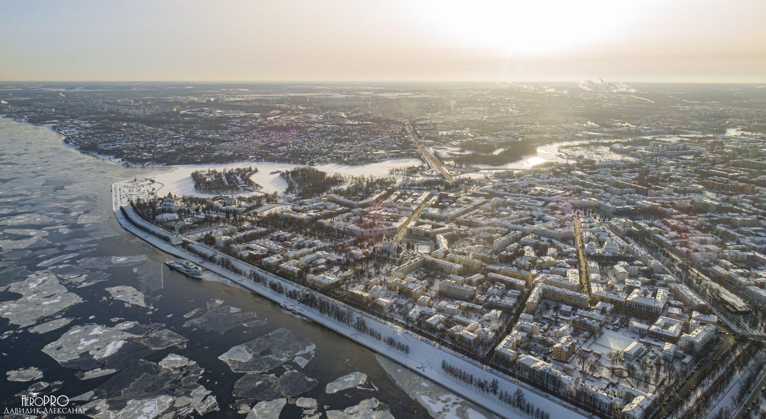 Ярославец заснял природную аномалию на Волге: видео с высоты птичьего полета