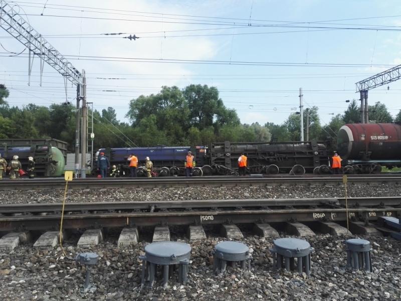 Экс-железнодорожники заплатят 220 тысяч за сход цистерн с рельсов в Ярославле
