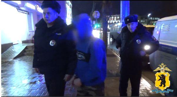 Угрожал игрушечным пистолетом: в Ярославле задержали молодого рецидивиста, грабившего банки