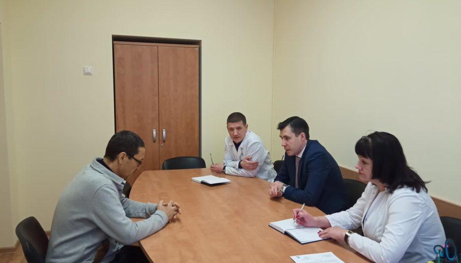 Директор департамента здравоохранения пообещал разобраться с проблемами пациентов Ярославской онкобольницы