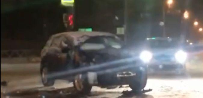 В ДТП с участием маршрутки и иномарки в Ярославле пострадал водитель