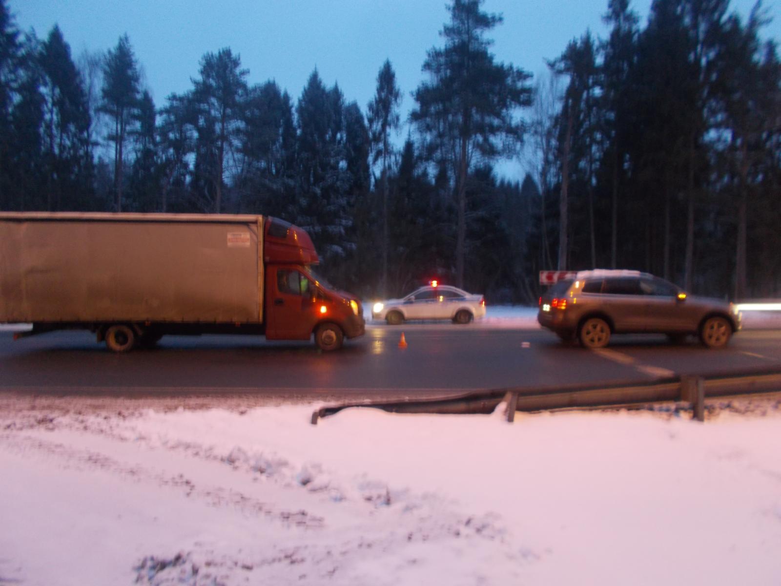 В Ярославской области в аварии на трассе пострадал пассажир легкового автомобиля
