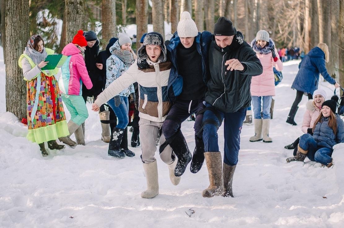 Массаж валенками, гонки на ватрушках, уха и необычный футбол: семейный праздник пройдет под Ярославлем в выходные