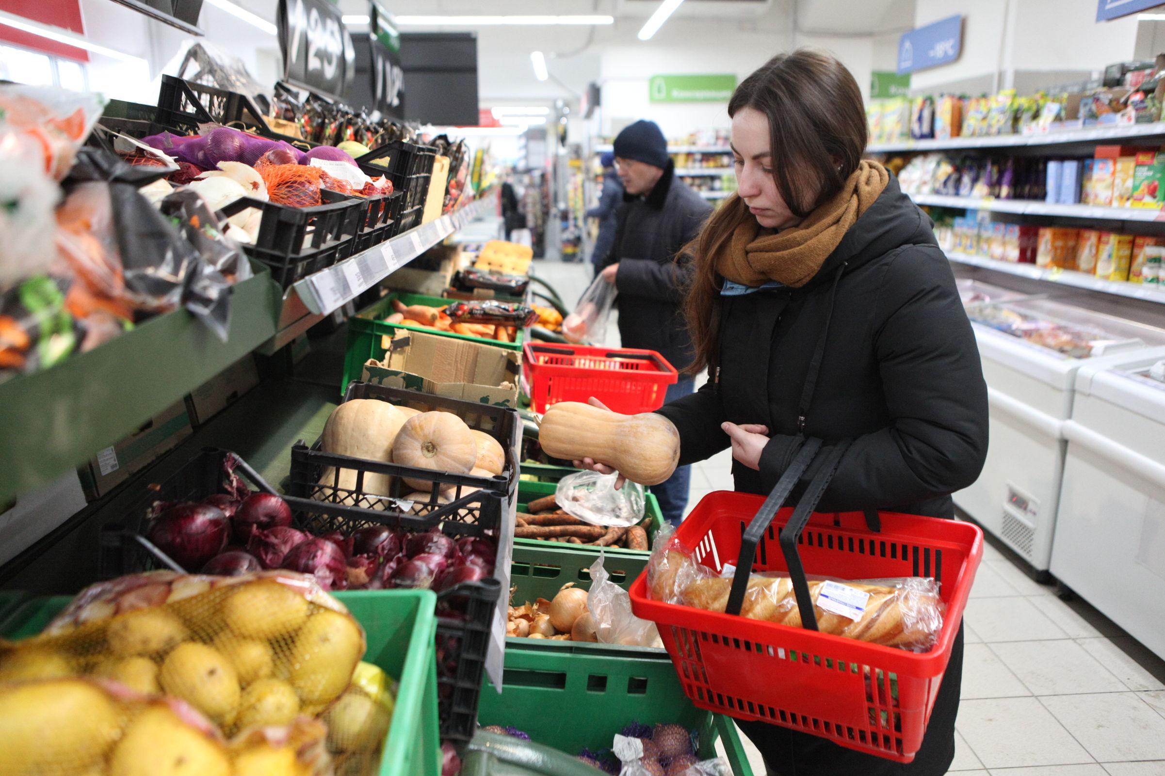 Цены: принцип домино. Какие продукты подорожали, а какие подешевели в Ярославской области