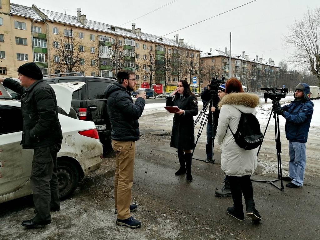 В Ярославле у хозяйки автошколы арестовали учебные автомобили из-за долга в 1,3 миллиона рублей