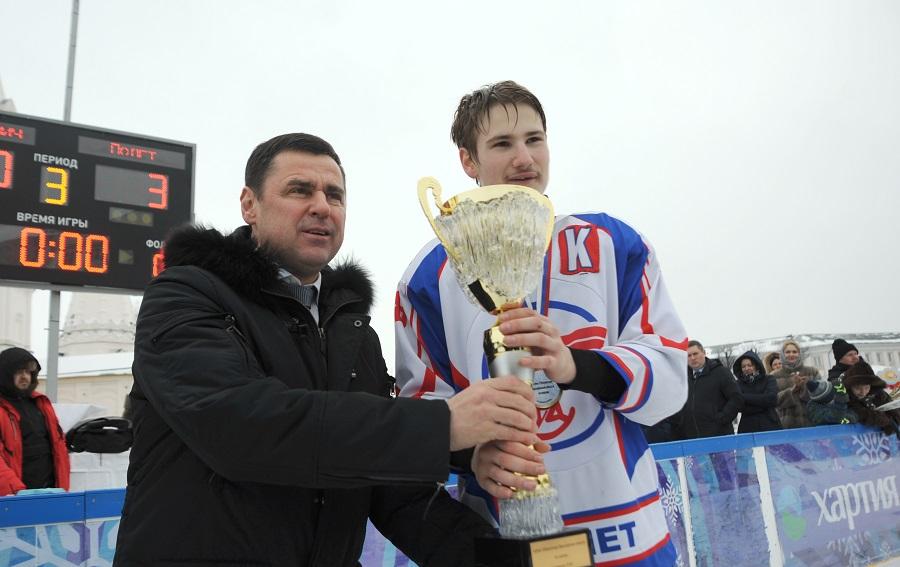 Дмитрий Миронов: обладатели кубка губернатора по хоккею сыграют с ветеранами «Локомотива» на Красной площади в Москве