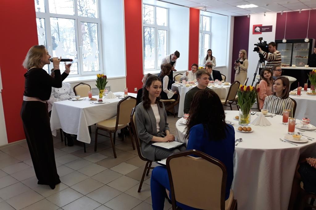 Студенты открыли в Ярославском колледже индустрии питания свое кафе