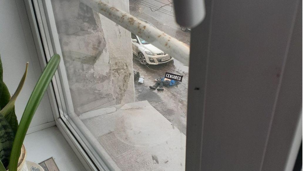 В Ярославле на улице внезапно умер мужчина