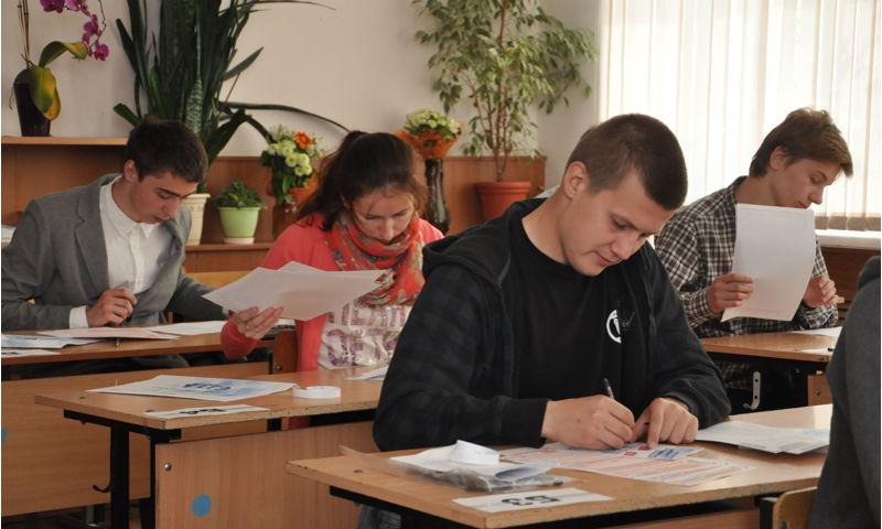 Более 99% девятиклассников сдали зачет на итоговом собеседовании по русскому языку