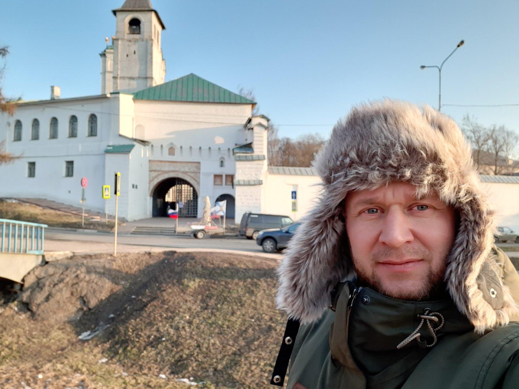Через Ярославль провезли медведя в подарок Владимиру Путину