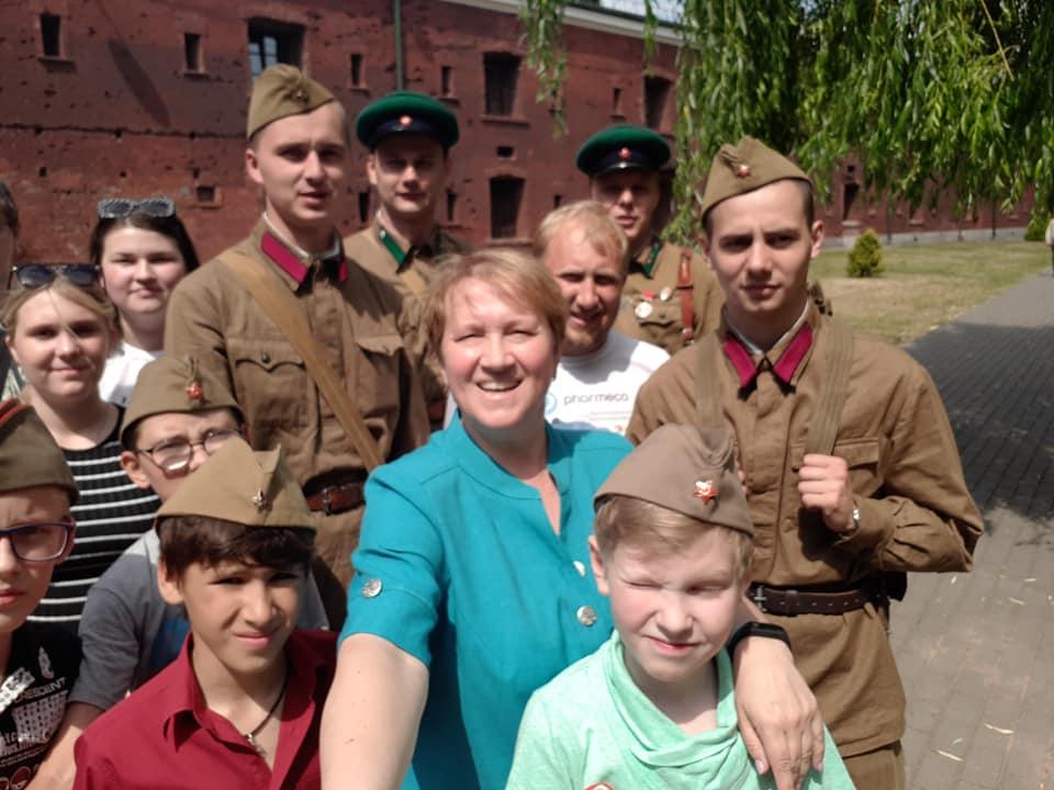 Эксперт программы «Наши дети» рассказала, как нужно разговаривать с подростками о войне