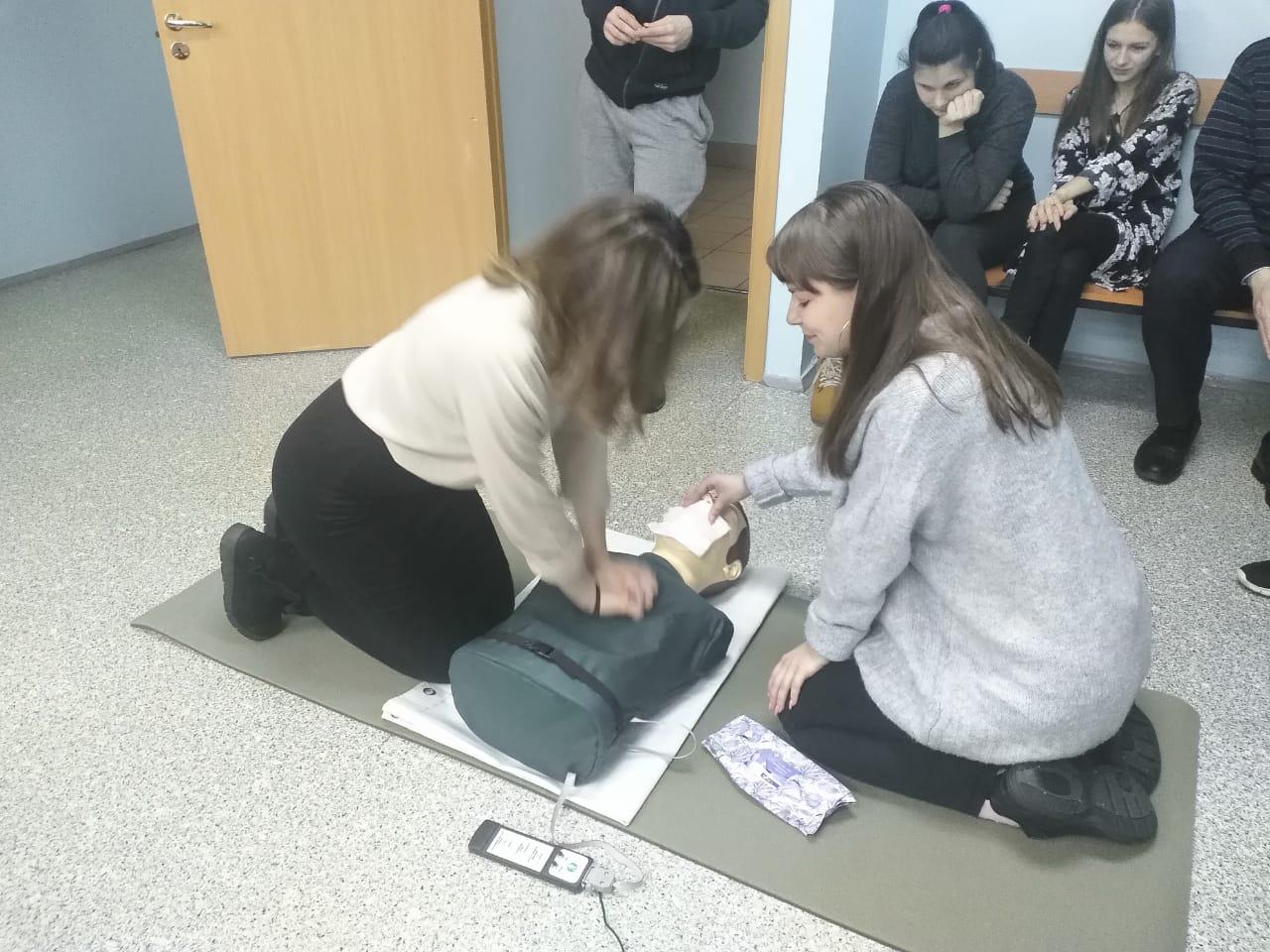 Ярославские школьники и студенты приняли участие во Всероссийском уроке первой помощи