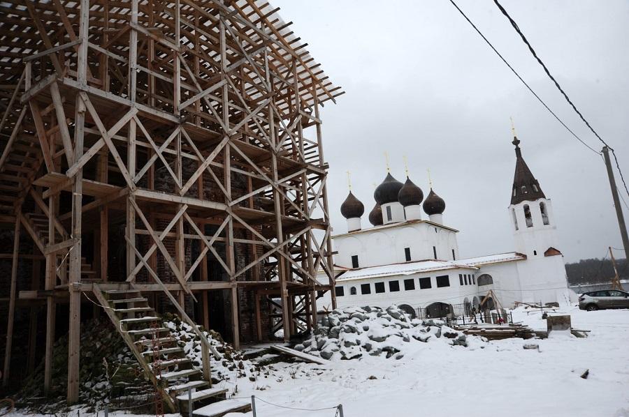 Дмитрий Миронов оценил ход реставрации храмового комплекса на родине Федора Ушакова