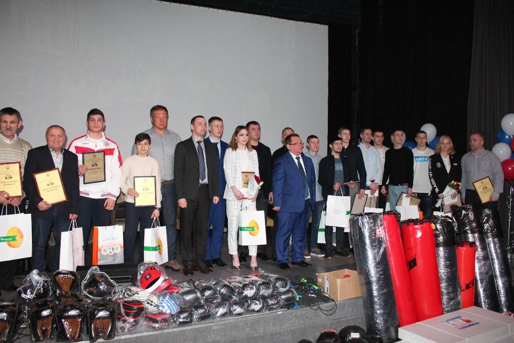 Лучшие тренеры и боксеры Ярославской области получили награды