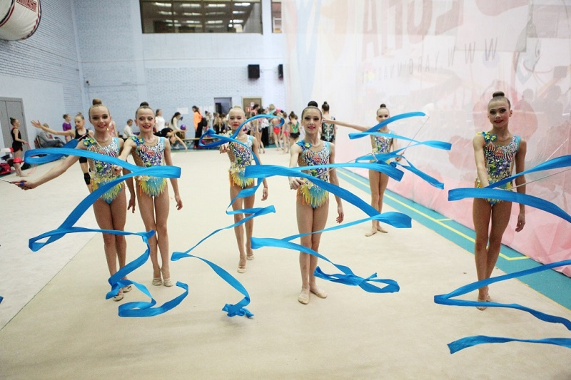 Более 250 юных гимнасток приехали в Ярославль на межрегиональный турнир