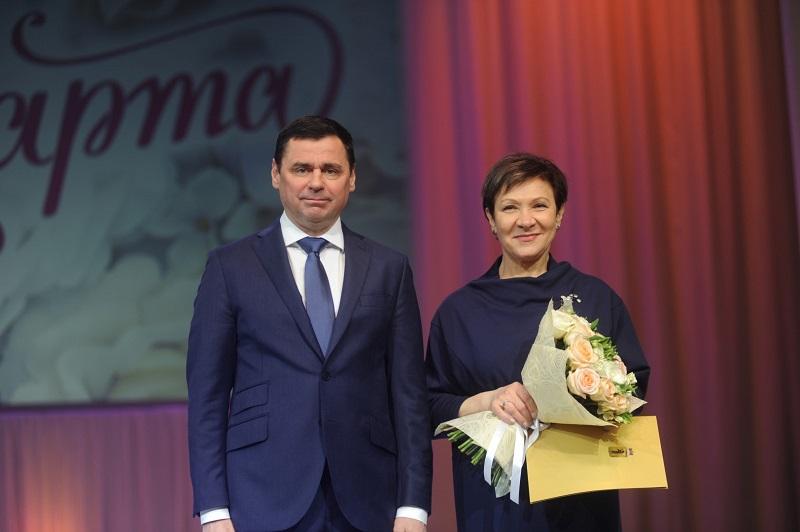 Дмитрий Миронов поздравил женщин с 8 Марта