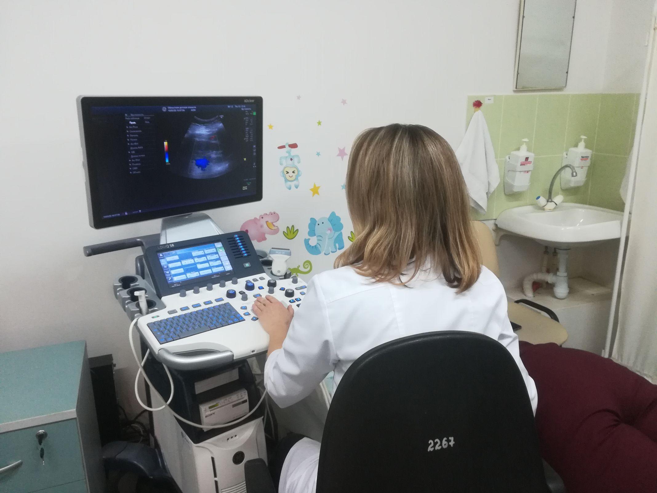Новый УЗИ-аппарат позволит проводить сверхточные обследования пациентов в Ярославской областной детской больнице