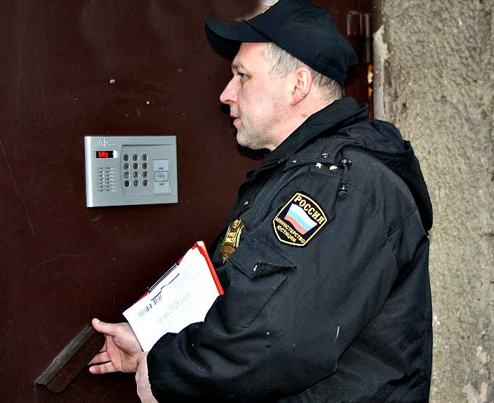 Ярославец выплатил детям полмиллиона рублей по алиментам, чтобы продать квартиру
