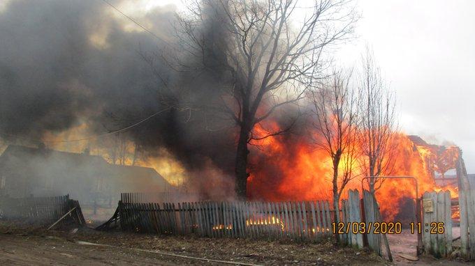 В крупном пожаре в Ярославской области пострадал человек