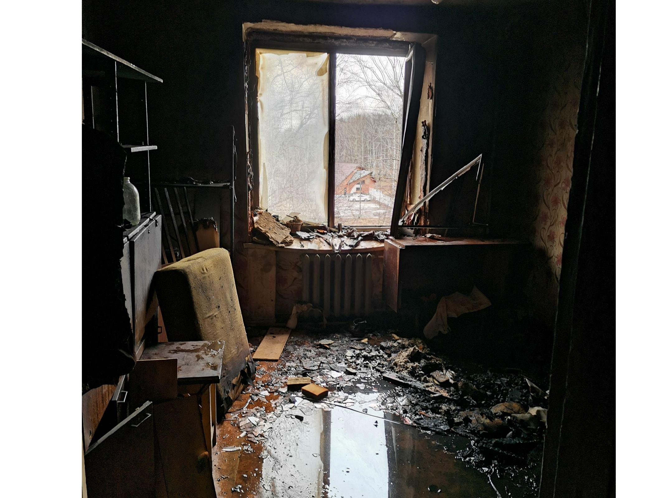 В Рыбинске на пожаре пострадала пенсионерка