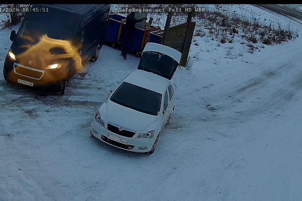 На проблемных контейнерных площадках в Ярославле устанавливают видеокамеры