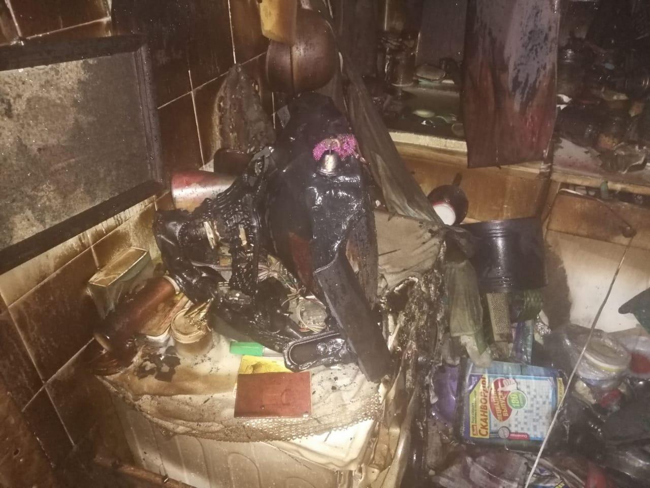 В ночном пожаре в Ярославле погибла пенсионерка