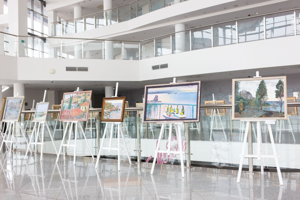 Посетить концерты и выставки, не выходя из дома, можно в рамках онлайн-проекта «КЗЦ всегда с вами»