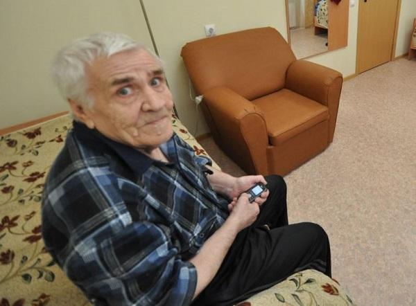 Пожилые люди, находящиеся в режиме самоизоляции, могут заказать продукты и услуги по единому социальному номеру