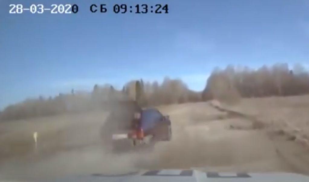 Стреляли по колесам: в Рыбинске в результате погони задержали пьяного водителя без прав