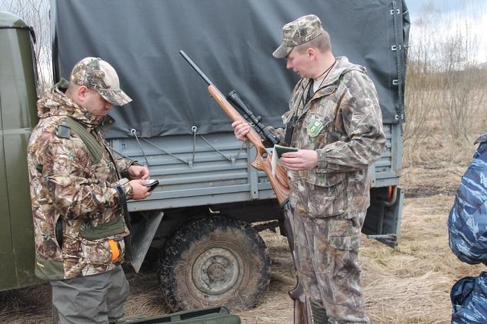 Нарушителей запрета на отстрел животных и птиц в Ярославской области будут лишать права охотиться