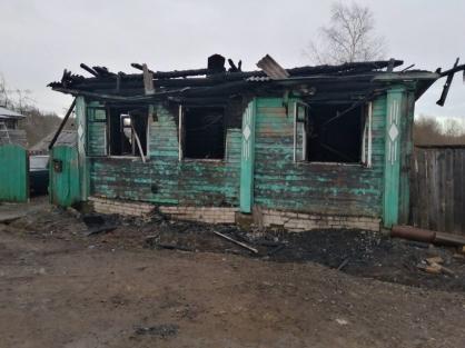 В Ярославской области возбудили уголовное дело по факту гибели на пожаре главы Данилова и его супруги