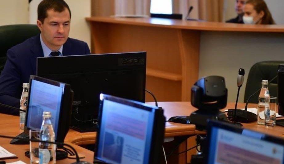 В Ярославле чиновники отдают часть зарплаты для покупки средств защиты для врачей