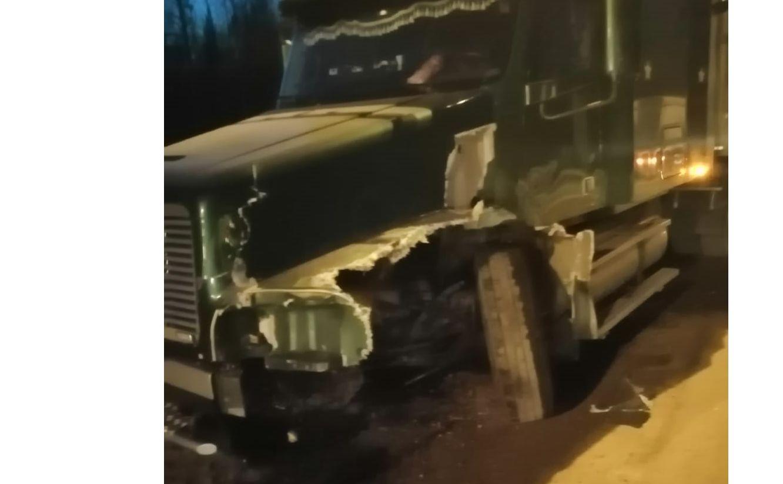 В Ярославской области при столкновении с фурой погиб водитель ВАЗа