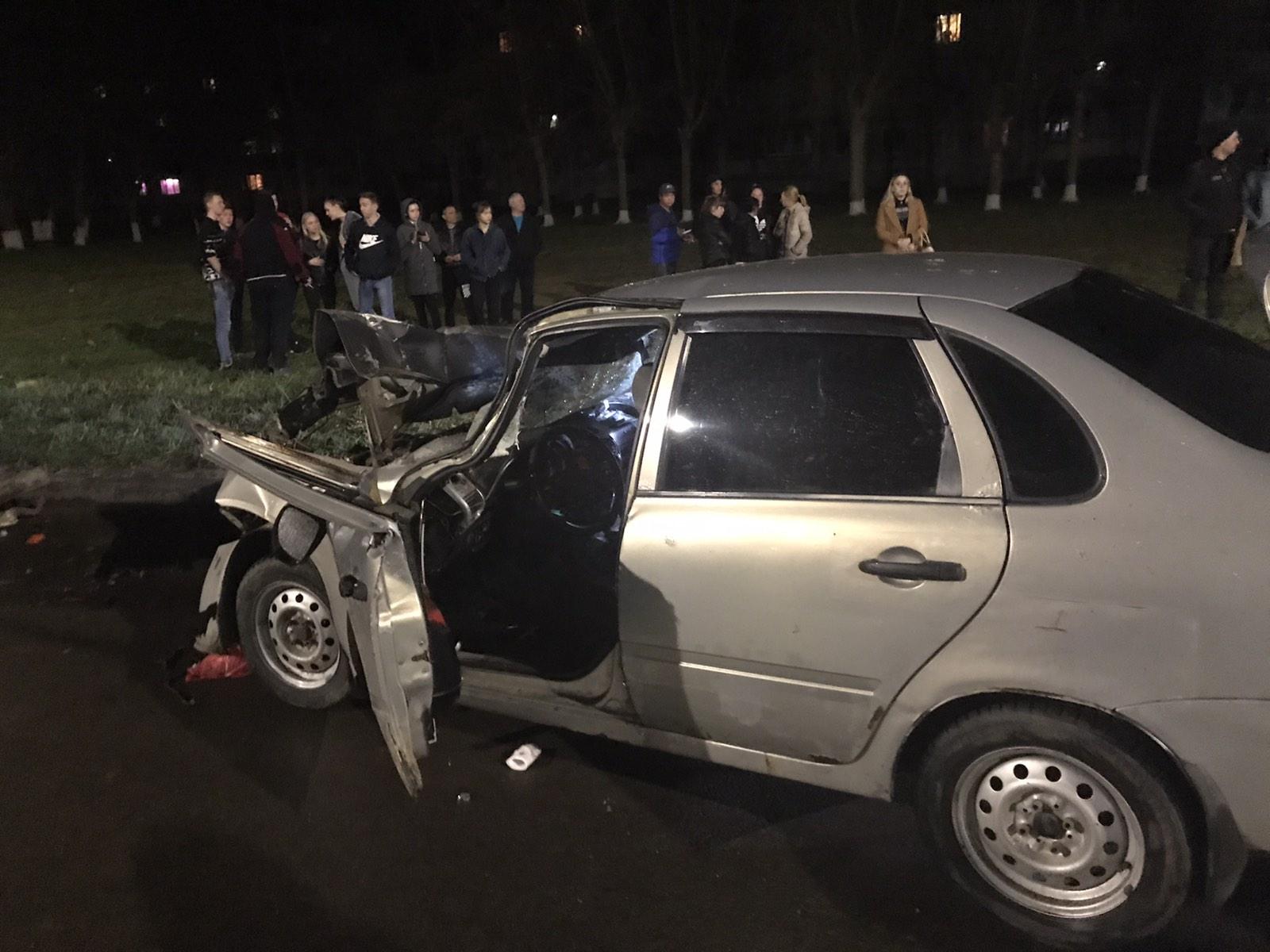 В Ярославской области в ДТП с фурой пострадали четыре человека