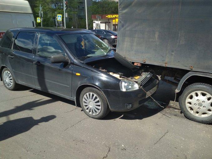 В Рыбинске в тройном ДТП пострадала беременная женщина