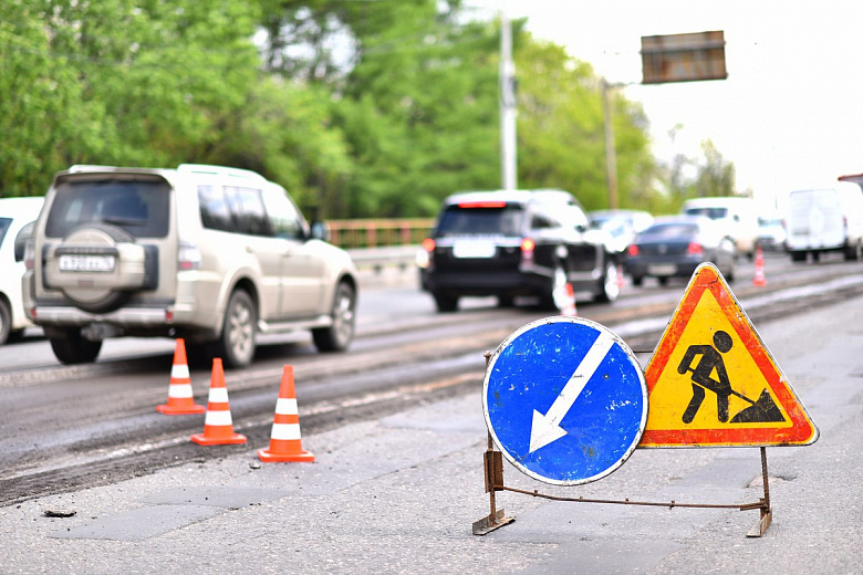 В Ярославле начали ремонт въезд на Октябрьский мост
