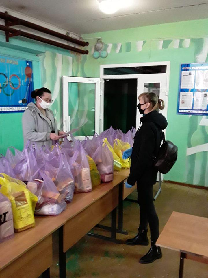 Роман Колесов: начался завершающий в учебном году этап выдачи пайков школьникам, имеющим право на бесплатное питание